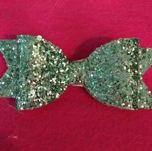 Green chunky glitter hair bows